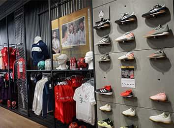 adidas Trainingstextilien